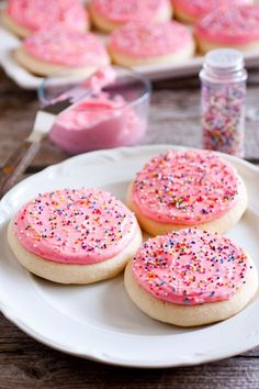 "10 Recipes to Help You Recreate Those Awesome Cakey Lofthouse Sugar Cookies (Note: I have no idea what those ""Lofthouse"" cookies are referred to in the article, but I'm game for new sugar cookie recipes. Yummy Cookies, Yummy Treats, Sweet Treats, Just Desserts, Delicious Desserts, Yummy Food, Biscuits, Cupcakes, Sugar Cookie Frosting"