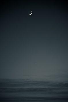 #nightsky #blackandwhite #moon #crescentmoon #stars