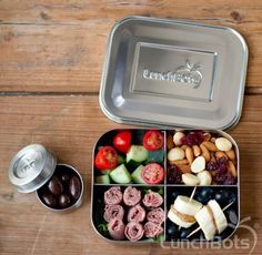 Paleo lunchbox idea from http://www.lunchbots.com/gallery/