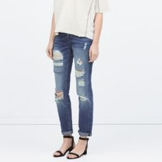 Zara medium wash super distressed boyfriend jeans Super cute with a pair of ankle strap heels or flats the rips are quite open so a lot of leg is exposed they are very comfy and cute Zara Jeans Boyfriend
