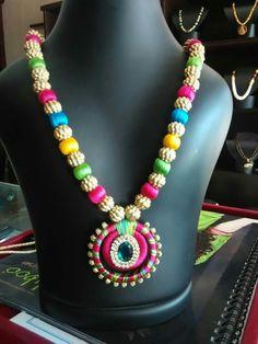 thread jewellery To order plz WhatsApp 9703713779 Silk Thread Necklace, Beaded Necklace Patterns, Silk Thread Bangles, Thread Jewellery, Jewelry Patterns, Quilling Earrings, Bangle Set, Siri, Threading