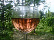 Raven's Glen Strawberry wine. Harvest Market, Alcoholic Drinks, Beverages, Strawberry Wine, Wines, Fresh, Glass, Drinkware
