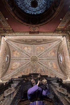 Pasion Religious Art, Spanish, Louvre, Tower, Culture, Altar, Building, Catholic, Travel