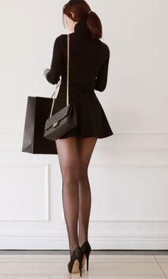 simple black mini