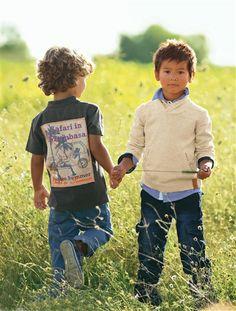 Votre recherche : camisola com gola Toddler Boy Fashion, Little Boy Fashion, Toddler Boys, Baby Kids, Fashion Jobs, Little Gentleman, 3 In One, Little Boys, Alexandria