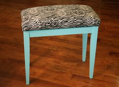 I love this piano bench, ideal for students and classrooms      http://pinterest.com/cameronpiano