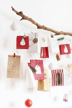 * magnoliaelectric: Adventkalender auf schwebendem Ast {DIY}