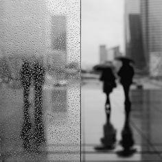 i love rainy days Monochrome Photography, Artistic Photography, Family Photography, Street Photography, Rainy Day Pictures, Auto Glass, Car Glass, Singing In The Rain, Grey Skies