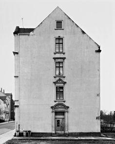 Haus, Dortmund-Marten, Ruhrgebiet. Photo by Bernd & Hilla Becher, 1979