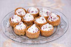 Kylmäsavuporo-crustadit Muffin, Breakfast, Party, Recipes, Food, Morning Coffee, Fiesta Party, Rezepte, Muffins