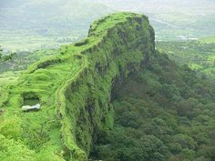 Lonavala and Khandala, the twin hill resorts, have a special attraction for the Mumbai crowd seeking a convenient weekend holiday in the hills.  Book buses at www.ticketgoose.com