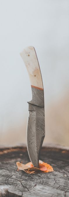 pocket knife - Damascus by Luke Gram Cool Knives, Knives And Tools, Knives And Swords, Damascus Knife, Damascus Steel, Damascus Blade, La Forge, Custom Knives, Knife Making