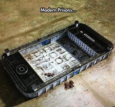 Total genius from Banksy: 'Modern Prison' Pictures With Deep Meaning, Deep Images, Photo Facebook, Ted Mosby, Poesia Visual, Meaningful Pictures, Satirical Illustrations, Deep Art, Lapidot