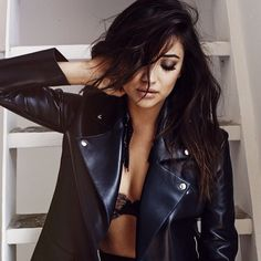 Imagen de shay mitchell, pretty little liars, and pll Mens Fashion Website, Best Mens Fashion, Sixties Makeup, Shooting Photo Boudoir, Shay Mitchell Style, Photographie Portrait Inspiration, Winter Stil, Lingerie Shoot, Fitness Photoshoot