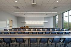University of Connecticut Social Sciences and Classroom Buildings,© Anton Grassl/Esto