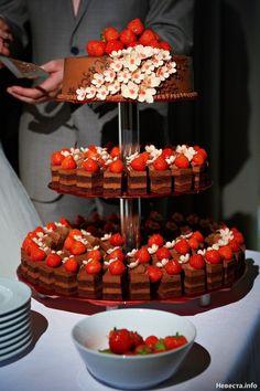 Beautiful Wedding Cakes, Gorgeous Cakes, Mini Cakes, Cupcake Cakes, Cute Food, Yummy Food, Fall Wedding Cupcakes, Cake Models, Veg Dishes
