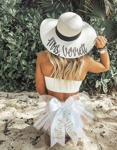 Bachelorette Outfits, Beach Bachelorette, Bachlorette Party, Bachelorette Party Games, Wedding Goals, Dream Wedding, Wedding Ideas, Wedding Blue, Wedding Photos