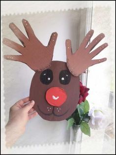 Reindeer: trace of hand - Manual activity and DIY for child - # Activity . Christmas Activities, Christmas Crafts For Kids, Christmas Art, Christmas Projects, Holiday Crafts, Activities For Kids, Christmas Gifts, Christmas Decorations, Christmas Ornaments