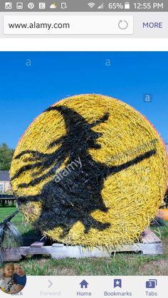 Holidays Halloween, Halloween Decorations, Halloween Party, Hay Bale Decorations, Farm Entrance, Scarecrow Festival, Farm Fun, Hay Bales, Trunk Or Treat