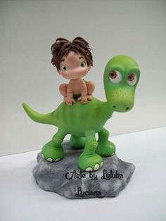 Arte by Luluka Dinosaur Cake, Dinosaur Birthday Party, Unicorn Party, Polymer Clay Animals, Polymer Clay Crafts, Arlo Und Spot, Cake Templates, Disney Figurines, Clay Dragon