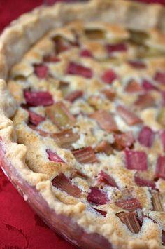 Rhubarb Custard Pie Big Flavors from a Tiny Kitchen Rhubarb Desserts, Just Desserts, Delicious Desserts, Healthy Rhubarb Recipes, Rhubarb Ideas, Strawberry Rhubarb Recipes, Strawberry Cream Pies, Pie Recipes, Baking Recipes