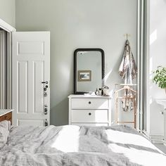 Trendy bedroom black and white grey apartment therapy Sage Green Bedroom, Sage Green Walls, Bedroom Black, Bedroom Colors, Home Decor Bedroom, Bedroom Ideas, Bedroom Wall, Bedroom Furniture, Design Apartment