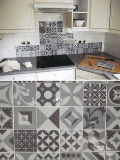 Smart Tiles : Ça Vaut le Coup ? Notre Avis & Test de la Crédence Adhésive Smart Tiles, Kitchen Tiles, Kitchen Design, Credence Adhesive, Creation Deco, Kitchen Stories, Diy Décoration, Home Staging, Diy Design