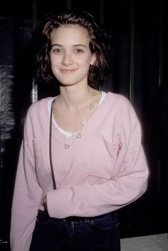 winona ryder Winona Forever - Album on Im - Winona Ryder 90s, Winona Ryder Style, Winona Ryder Beetlejuice, Retro Outfits, Outfits Casual, Grunge Outfits, 90s Grunge Hair, Vintage Outfits, Back In The 90s