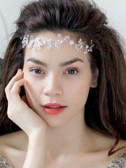 Hình ảnh Hồ Ngọc Hà đẹp như thiên thần với gương mặt nhỏ nhắn, thanh khiết, đôi mắt long lanh, trẻ trung, dễ thương