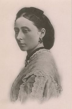 Princess Alice Grand Duchess of Hesse Darmstadt, daughter of Queen Victoria and Prince Albert Sister of King Edward VII Good condition. Queen Victoria Children, Queen Victoria Family, Queen Victoria Prince Albert, Victoria And Albert, Luis Iv, Victoria's Children, Tsar Nicolas, Grand Duc, Hesse