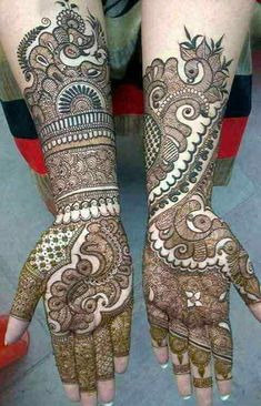 Find the best Pakistani bridal mehndi designs with images of beautiful patterns for full hands and arms, one-sided, gol tikka style, and feet mehndi designs. Indian Mehndi Designs, Mehndi Designs 2018, Mehndi Design Pictures, Modern Mehndi Designs, Mehndi Designs For Girls, New Bridal Mehndi Designs, Beautiful Henna Designs, Mehndi Designs For Hands, Bridal Henna