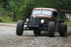"Rat Rod Truck blends Rodding and Racing If you're a business professional, you certainly have a business card. But if you're in the business of building custom cars, your ""business card"" is your projects. Unfortunately, it can be hard to get noti..."