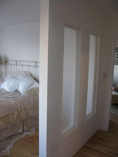 Temporary   Pressurized Walls Contractors in NY   HAYS Divide and Conquer  24 Wall Partitions via Brit   Co    Mi Casa  . Temporary Wall Partition Bedroom. Home Design Ideas