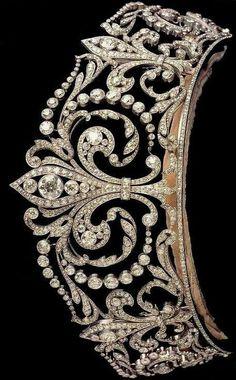 Queen Eugenia Victoria of Spain fleur de lis tiara
