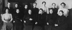 Sarja esittelee Suomen ja samalla koko maailman ensimmäisiä naiskansanedustajia.