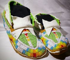 Native American beaded moccasins  size 10.5  lakota plains style.