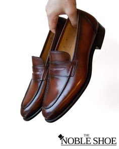 🍷The Perfect Penny Loafer is Here! Carlos Santos 9176 Penny Loafers in Wine Shadow Available at The Noble Shoe. Price: 290$ including Free Shipping! . Goodyear Welted in Portugal 🇵🇹 on the 362 Last and a single leather sole. What are you waiting for?! Get yours now! Penny Loafers, Loafers Men, Goodyear Welt, Portugal, Waiting, Oxford Shoes, Dress Shoes, Free Shipping, Leather