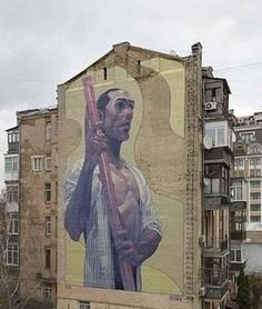 El grafitero Aryz se inspira en el popular personaje malagueño.