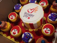 Cupcakes Under cover - McHappy day cake. Raise money for Toronto Ronald McDonald House charity. Helps families stay with children undergoing treatment when they would not be able to otherwise