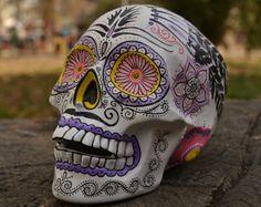 Única hecha a mano pintado a mano detallado México mexicana Folk ArtDay de muertos Dia de los Muertos Feathes flores azúcar cráneo hecho a pedido