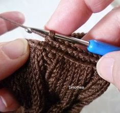 Crochet Boots, Crochet Slippers, Knitting Blogs, Knitting Stitches, Casting On Stitches, How To Start Knitting, Boot Cuffs, Needle And Thread, Hand Warmers