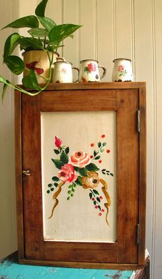 Plants on top of a cabinet Hand Painted Furniture, Recycled Furniture, Granny Chic, Furniture Makeover, Decoration, Beautiful Homes, Diy Home Decor, Sweet Home, Rustic