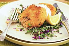 Image of double-salmon fishcakes with preserved-lemon mayo, taste. Super Healthy Recipes, Healthy Foods To Eat, Healthy Snacks, Snack Recipes, Salmon Recipes, Seafood Recipes, Fish Recipes, Ww Recipes, Seafood Dishes