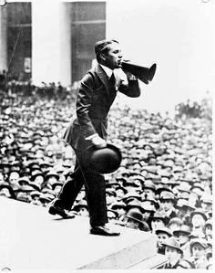 Charlie Chaplin selling War Bonds, c.1918