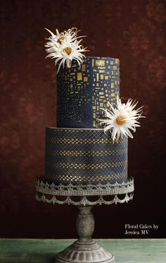 GOLD&NAVY BLUE WEDDING CAKE by Jessica MV…