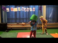 circus in de boomgaard - YouTube