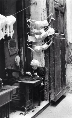 Italy. Naples, 1957 // David Chim Seymour
