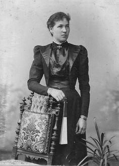 1905 Junge Frau in Stettin