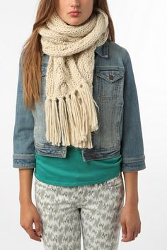 chunky cable knit scarf with tassles