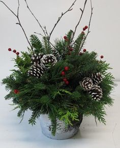 Outstanding Christmas deco tips are offered on our web pages. Have a look and you wont be sorry you did. Christmas Planters, Christmas Greenery, Christmas Flowers, Outdoor Christmas, Christmas Crafts, Christmas Time, White Christmas, Winter Flowers, Christmas Flower Arrangements